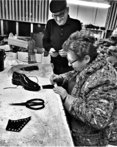 lavorazione artigianale della scarpa in pelle made in Italy